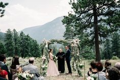 floral and vine covered chuppah | image by Preston Utley
