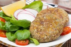 How to make vegetarian lentil burgers - Easy recipe. Who says that vegetarian food is boring? There are many choices of delicious dishes without meat that we enjoy, and one of them is lentil burgers, a different way to enjoy a nutritious dish which is e...