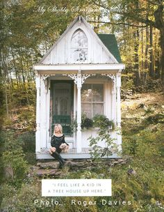 Amazing She-Sheds – A Woman's Answer To The Man Cave – The Owner-Builder Network French Country Cottage, White Cottage, Shabby Cottage, Shabby Chic, Shabby Bedroom, Fairytale Cottage, Country Homes, Cottage Living, Cottage Chic