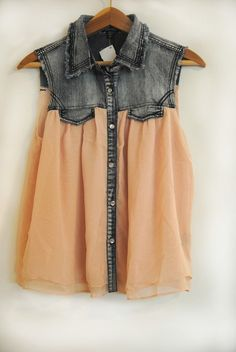 denim and chiffon top. so cute!