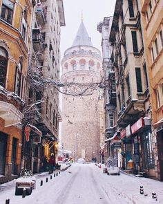 More snow on the way for Istanbul. Yay or nay? ☃❄️