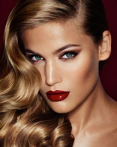 #CASADEIHOLIDAYS: Celebrating with friends Perfect for a night out Charlotte Tilbury Look