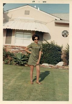 Vintage 1967 photo / Petite Young Black Woman in Weed Green Mini-Skirt & Shades Photos Vintage, Vintage Photographs, Old Photos, 1960s Aesthetic, Aesthetic Vintage, Vintage Magazine, Green Mini Skirt, Young Black, I Love Girls