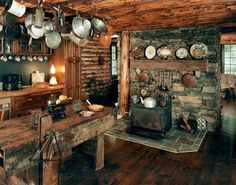 la-vie-en-rustique-luxe:    (via Rustic and cozy / Amazing…I have just the antiques to fill it too!!)