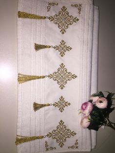 Embroidery Motifs, Paper Crafts, Diy Crafts, Cross Stitch, Crochet, Model, Bath Towels & Washcloths, Herb, Cross Stitch Embroidery