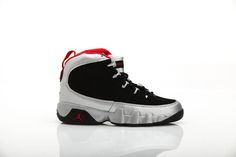 official photos a4cc3 98c91 Air Jordan 9 Johnny Kilroy Kids Size Nike Sport Shoes in Black and Gym Red