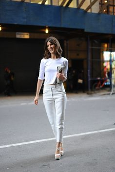 Street-Style Trends at Fashion Week Fall 2013 Vogue, Normcore, Street Style Trends, Style Snaps, White Outfits, Summer Outfits, Look Cool, Neue Trends, Her Style