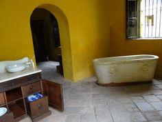 Interior de el baño de la casa de san pedro alejandrino