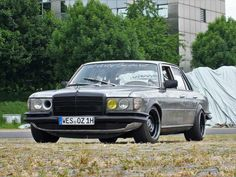 """A Benz gets under the skin: Mercedes-Benz 280 SE early S-Class becomes a rustic """"battle grid"""" ! – Car Of The Week – Mercedes Fans – The Magazine for Mercedes-Benz Enthusiasts Mercedes 280, Mercedes Benz Maybach, Classic Mercedes, Custom Wheels, Custom Cars, Mercedez Benz, Car Wheels, Modified Cars, Nissan Skyline"""