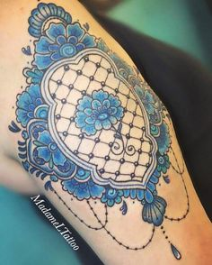Blue delft flowers and lace tattoo 💙