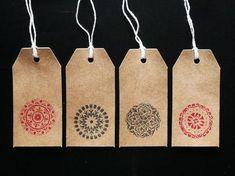 12 tarjetas etiquetas multifunción con estampación artesanal. stamped label tags.