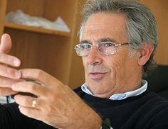 Sobrinho Simões reconhecido como o melhor patologista do mundo!