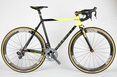 beautiful Feather Cycles cyclocross bike (not quite so sure about the Speedvagen stem though)