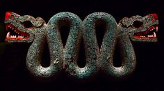 アステカの双頭の蛇像