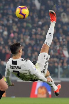 Cristiano Ronaldo of Juventus FC in action during the serie A match between Juventus FC and FC Internazionale Milano at Allianz Stadium on December 2018 in Turin, Italy. (Photo by Giuseppe Cottini/NurPhoto via Getty Images) Cristiano Ronaldo 7, Cristiano Ronaldo Wallpapers, Cr7 Ronaldo, Juventus Fc, Cr7 Wallpapers, Ronaldo Football, Justin Timberlake, Soccer Players, Lady Gaga