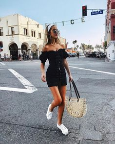15 Summer Street Style Trends Were Totally Obsessed With 2019 cute summer street style outfits! The post 15 Summer Street Style Trends Were Totally Obsessed With 2019 appeared first on Outfit Diy. Street Style Trends, Street Style Outfits, Street Style Summer, Mode Outfits, Casual Outfits, Spring Style, Street Style Fashion, Insta Outfits, Summer Holiday Style
