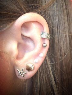 love these multiple piercings