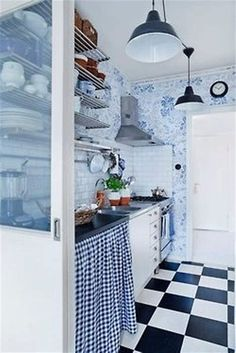 33 Cool Rustic Scandinavian Kitchen Designs: 33 Cool Rustic Scandinavian Kitchen Designs With Black And White Kitchen Island And Wall Shelves And Pendant Lamp Design Cocina Shabby Chic, Galley Kitchen Remodel, Scandinavian Kitchen, Swedish Kitchen, Scandinavian Interiors, Scandinavian Design, Küchen Design, Design Color, Interior Design