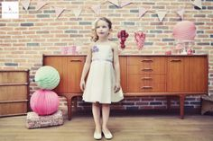 kaa couture créatrice robe de mariée à lyon - robe de cortège - demoiselle d'honneur - enfant d'honneur credit: eulalie varenne mise en beauté: beauty art coiffure lieu: la barbe à papa