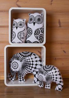 Hand printed Owl and Elephant-cushions * Pöllö- ja Elefantti-koristetyynyt
