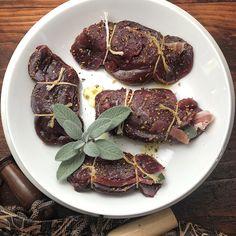 Wild Duck Recipes, Elk Recipes, Venison Recipes, Roast Recipes, Sausage And Bean Casserole, Mushroom Meatloaf, Elk Steak, Hamburger Gravy, Venison Burgers