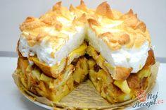 Nebíčko v tlamičce pro ty, kteří milují sladká hlavní jídla. Vánočka s chutí vanilky, rozinek a na vrchu bohatá bílková peřinka. Určitě vyzkoušejte připravit, je to fantastická dobrota. Autor: Lacusin Czech Recipes, Ethnic Recipes, No Bake Cake, Apple Pie, Mashed Potatoes, Cake Recipes, Cheesecake, Food And Drink, Menu