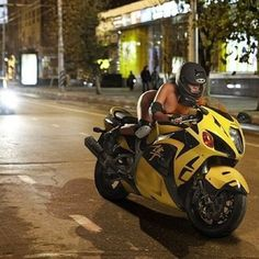 Mostly bikes and women Yamaha R6, Suzuki Hayabusa, Lady Biker, Biker Girl, Custom Sport Bikes, Rockabilly Cars, Motosport, Hot Bikes, Super Bikes