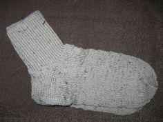 Handgestrickte+Socken+Gr.+44/45+von+Heike`s+Zauberwerkstatt+auf+DaWanda.com
