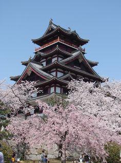 PINTEREST.COM/CASTLES OF JAPAN | Japanese Temples, Shrines and Castles / Fushimi-Jo 伏見桃山城