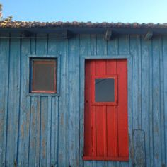"""Number one"" #Cartaxo #avieira #riotejo #pescadores #janelaseportas #door #red #blue #fisherhouse #ihavethisthingwithdoors…"