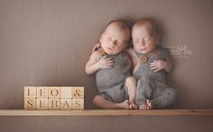 #Twin #Newborn #Photography | Little Pose