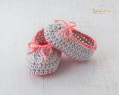 Neon Trim Baby Slippers – Free Crochet Pattern » Loganberry Handmade