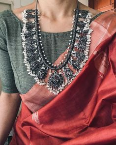 Gorgeous red saree with grey blouse and oxidized silver necklace Trendy Sarees, Stylish Sarees, Saree Blouse Patterns, Saree Blouse Designs, Lehenga Designs, Indian Dresses, Indian Outfits, Ethnic Outfits, Indian Clothes