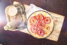 Křehký dortík s růžemi z jablek