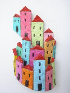 Город на холме, разноцветные дома в амфитеатральный arrangemant, папье-маше.