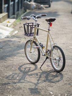 Mini Velo, Mini Bike, Touring Bicycles, Touring Bike, Bike Gang, Velo Cargo, Velo Vintage, Folding Bicycle, Bicycle Girl
