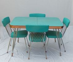 vintage formica and chrome dinette sets - Yahoo Image Search Results Decor, Mid Century Modern Decor, Vintage Dining Room, Vintage House, Vintage Kitchen, Retro Kitchen, Mid Century Decor, Retro Table, Retro Interior