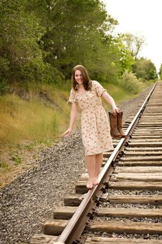 Senior pictures country SOO my girl!