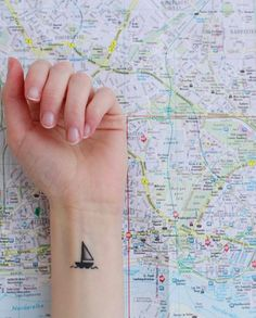 18 Simple And Beautiful Ocean-Inspired Tattoos