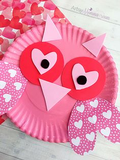 Easy Heart-Themed Kids Crafts for Valentine's Day > Detectview Valentine's Day Crafts For Kids, Valentine Crafts For Kids, Daycare Crafts, Valentines Day Activities, Valentines For Kids, Craft Activities, Preschool Crafts, Holiday Crafts, Children Crafts