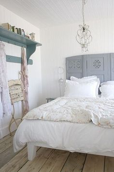 """love the idea of using a room divider for a headboard. This room is so prim shabby! ♥"