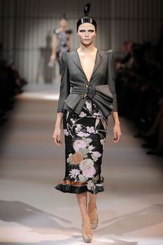 Giorgio Armani Privé - Haute Couture Spring Summer 2009 - Shows - Vogue.it