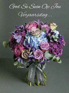 Nikki Tibbles Wild At Heart Ltd — The Country Vintage Bouquet Flower Bouqet, Pastel Bouquet, Floral Bouquets, Blossom Flower, My Flower, Flower Art, New Baby Flowers, Bridal Flowers, Purple Flowers