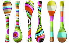 Decor Gifts for Grads Wooden Spoon Crafts, Wooden Spoons, Wood Crafts, Diy Kitchen Decor, Kitchen Art, Kitchen Dining, Diy Craft Projects, Diy And Crafts, Painted Spoons