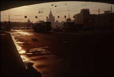 Gueorgui Pinkhassov RUSSIA: MOSCOW Kremlin quay Magnum Photos