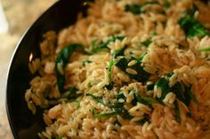 lemony spinach and feta orzo: a satisfying and healthy side dish or lunch (maybe add some chicken to it?)