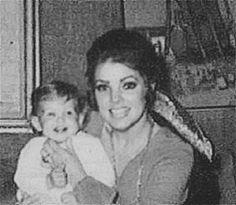 Elvis, Priscilla, and Lisa Marie. Lisa Marie Presley, Elvis Presley Priscilla, Elvis Presley Family, Elvis Presley Photos, Great Love Stories, Love Story, Tom Selleck Movies, Freddy Rodriguez, Classy People