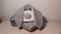Cómo hacer una toalla con forma de conejo. ¡Perfecta para regalar a un recién nacido! :)