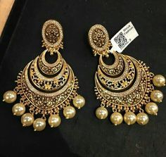 So beautiful yaar Fancy Jewellery, Gold Jewellery Design, Fashion Earrings, Fashion Jewelry, Women Jewelry, Indian Wedding Jewelry, Bridal Jewelry, Indian Earrings, India Jewelry