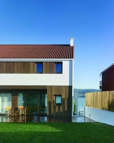 Two family houses in Redes / Díaz y Díaz Arquitectos | ArchDaily